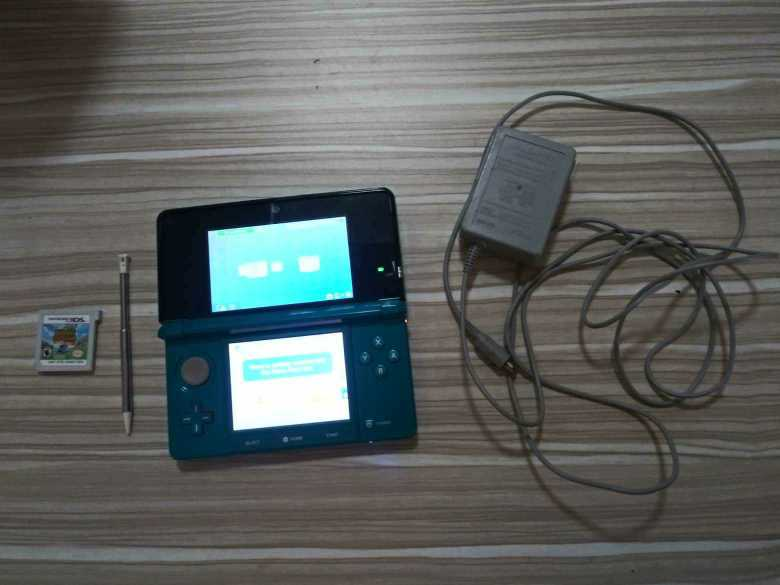Nintendo​ 3DS with gams