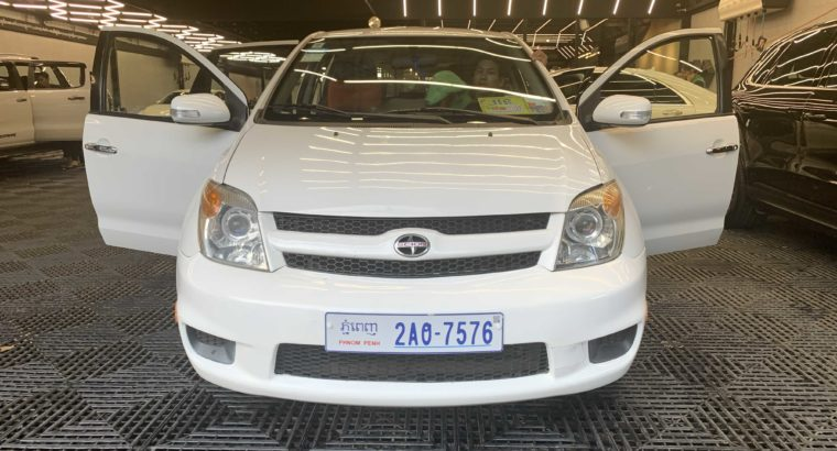 Toyota Scion full option year 2006