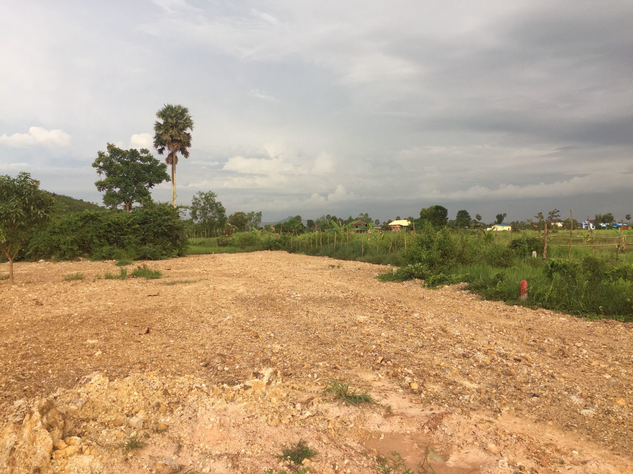 21.5x43m land for sale 9km from Kampot