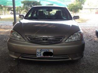 Toyota Camry 2003 LE, Gold, ABS, good condition.