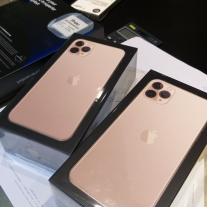 Apple iPhone 11 pro max 512 whatsapp +16363239302