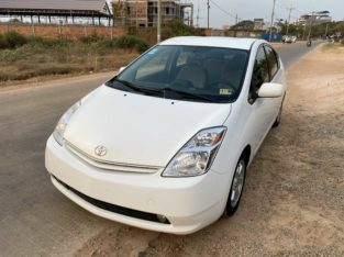 sell Toyota Prius 2004 full option