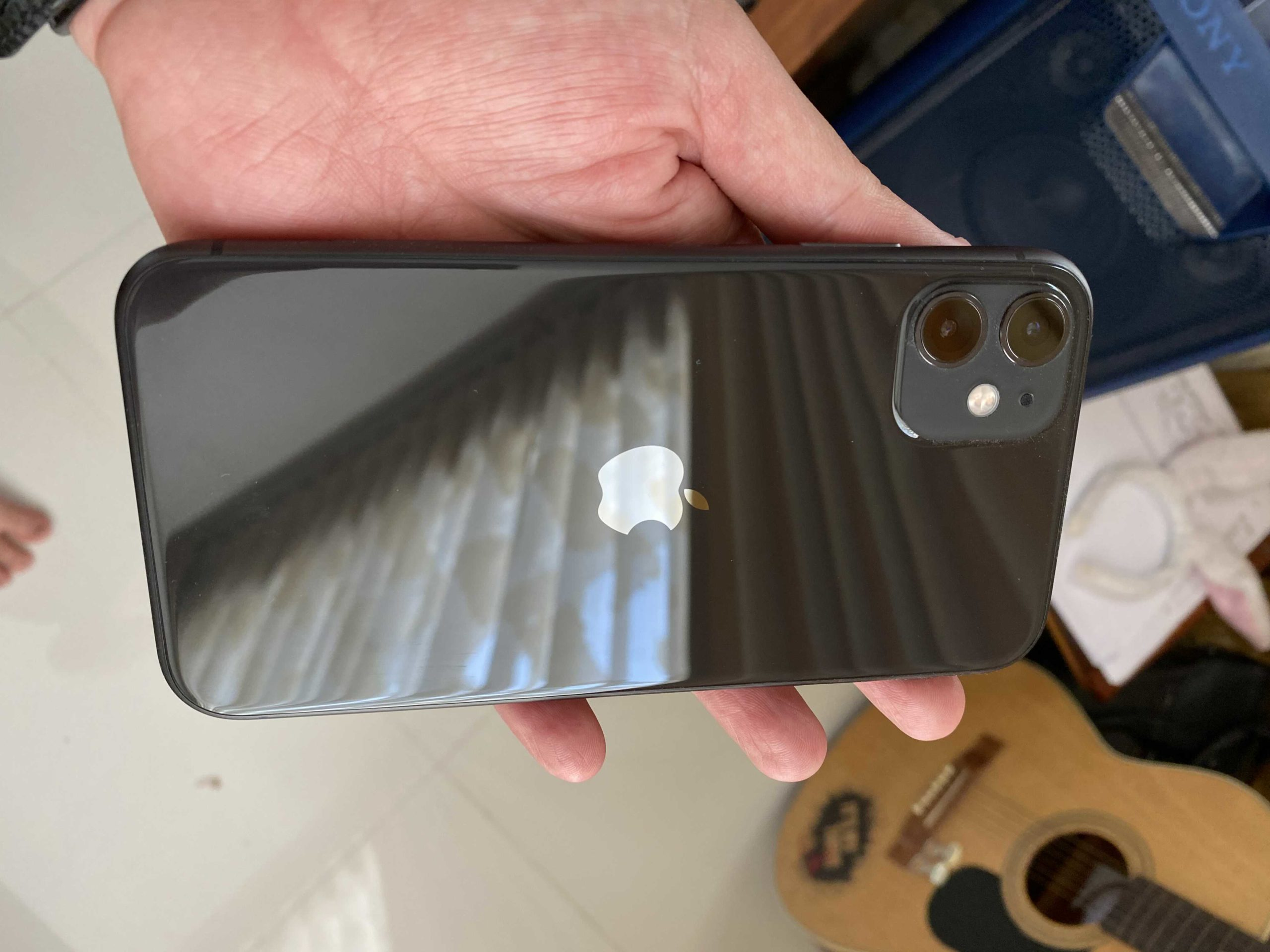 iPhone 11 back 64G