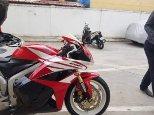 Honda CBR600RR 2012 on sale almost new