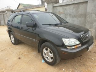 Lexus RX300 Black color Year2001 full option