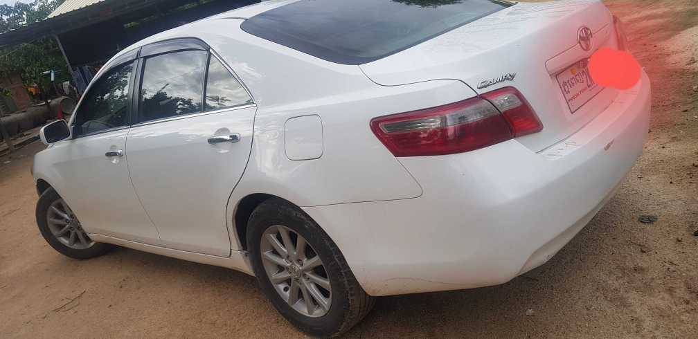 Toyota Camry Le  07