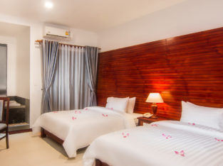Deluxe Twin Room with Belcony
