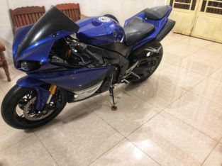 Yamaha R1 1000cc 2009 for sale