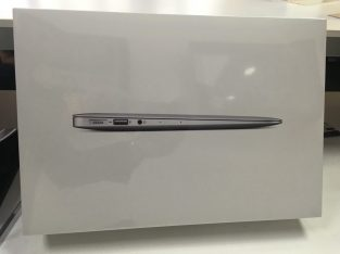 NEW Apple Macbook Air 13.3 13in 8gb 256GB
