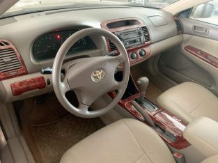 Camry LE 02