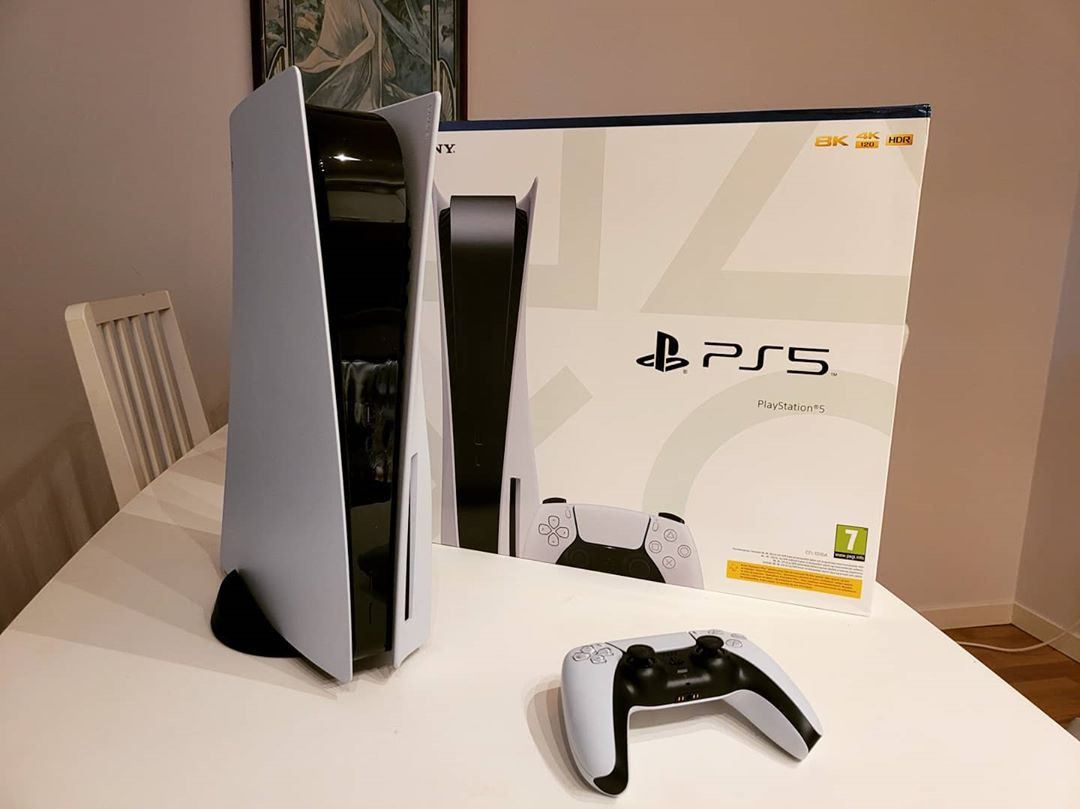 Sony PlayStation 5 Standard Edition Console Disc and Digital Version
